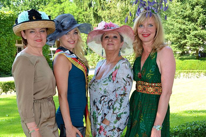 Day hoppegarten ladies Party