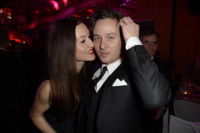 Tom Schilling mit Freundin